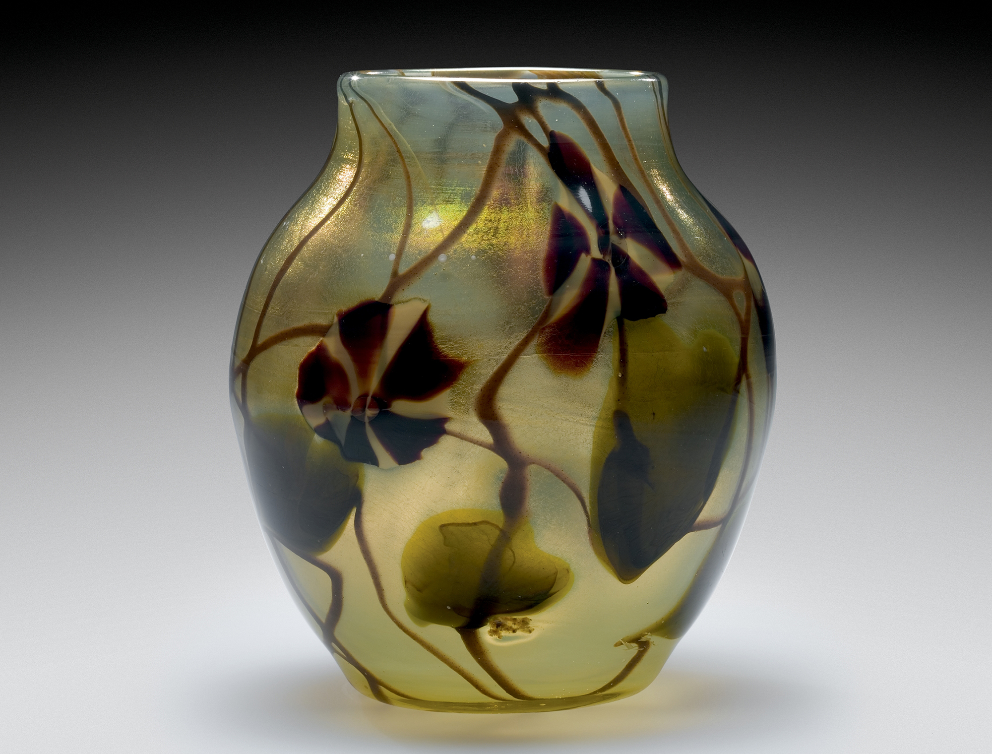 Paperweight vase with applied decoration. Rockwell Museum, L.2006.4.2001.